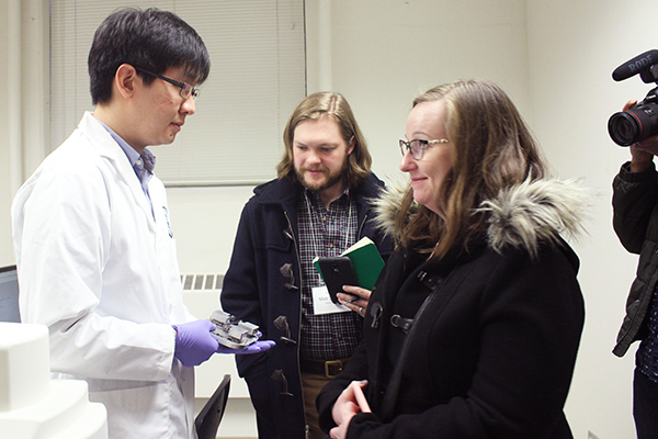 Dr. Brandon Chen presents NanoForce, a nano-robot that can perform surgery on and inside a single cell. (credit: Liz Do)