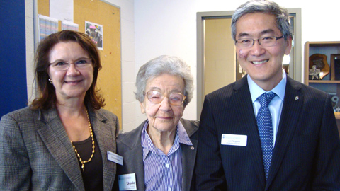 Dean Cristina Amon (left) and Professor Jun Nogami, Chair of the Department of Materials Science & Engineering (right) congratulate University Professor Emerita Ursula Franklin (centre) on receiving an honorary doctorate from Ryerson University in 2011. (Photo: Luke Ng)