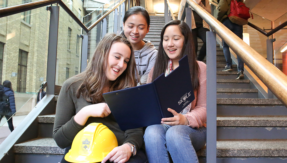 From left: Grace Lloyd (Year 1 IndE), Leting Xue (Year 1 MechE) and Ciel Emond (Year 1 ECE) chose to join U of T Engineering in fall 2016. (Credit: Roberta Baker)