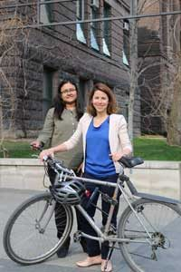 Sabreena Anowar (CivE PhD candidate, left) and Professor Marianne Hatzopoulou (CivE, right) are studying ways to protect cyclists from exposure to pollution. (Photo: Tyler Irving)