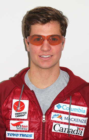 Robbie Andison, a moguls skier on Team Canada's Youth Team, has been wearing Somnitude's blue-light-filtering glasses while he continues training toward his Olympic dreams. (Courtesy of Freestyle Canada)