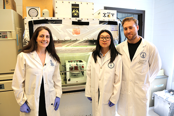 Left to right: Professor Alison McGuigan (ChemE, IBBME), Jody Mou and chemical engineering PhD candidate Darren Rodenhizer. (Photo: Tyler Irving)