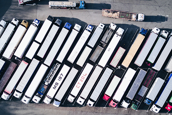 New study led by Professor Greg Evans (ChemE) shows that trucks and larger vehicles contribute disproportionately to air-pollutant emissions