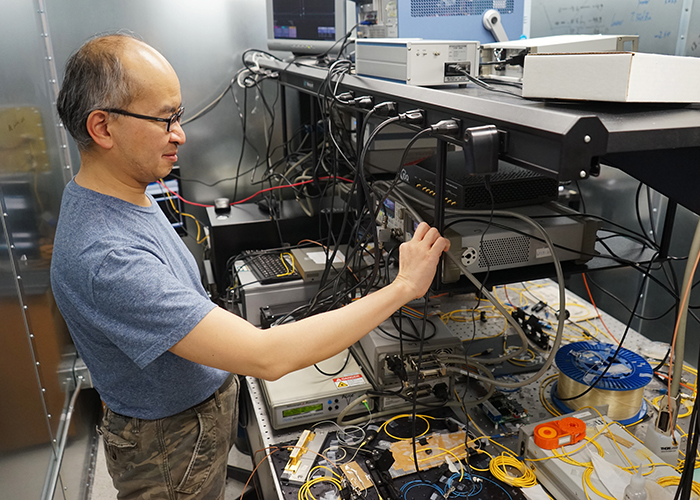 Professor Hoi-Kwong Lo (ECE) and his collaborators have performed a proof-of-principle experiment on a key aspect of all-photonic quantum repeaters (Photo: Jessica MacInnis)