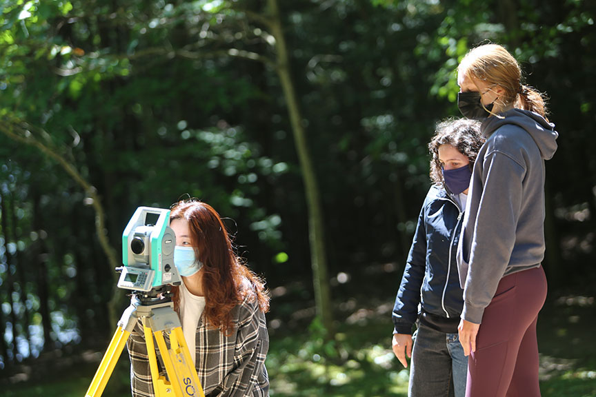 CivMin students use a Total Station for surveying as part of their studies at U of T Survey Camp on Sunday, August 15, 2021. (Photo: Phill Snel)