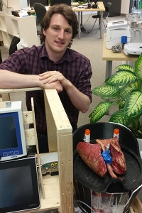 Geoff Frost of XOR Laboratories Toronto Inc. aims to make lung transplants simpler and more widespread by reducing the size and cost of the technology required (Photo: Tyler Irving).