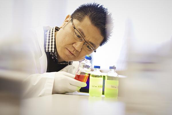 Professor Warren Chan. (credit: NSERC)