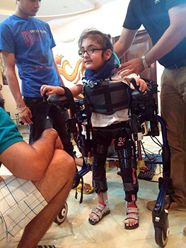 Manmeet Maggu's nephew Praneit takes Trexo Robotics's exoskeleton for a test drive in New Delhi, India. (Courtesy: Trexo Robotics).